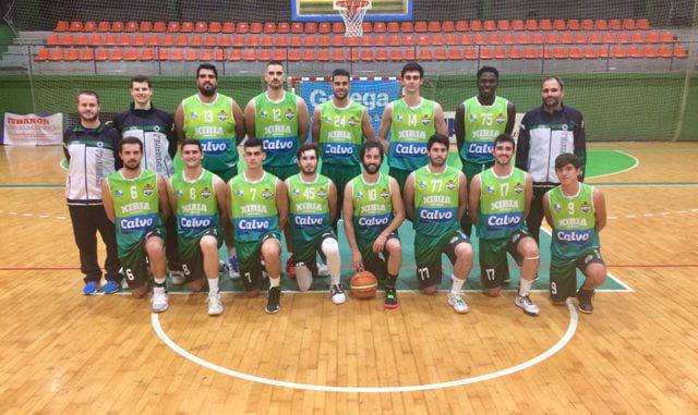 Foto del equipo con la equipacion