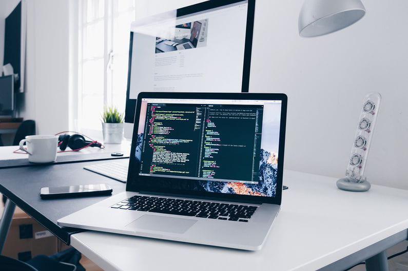 ¿Cuándo debo cambiar la web de mi empresa? 3 señales inequívocas